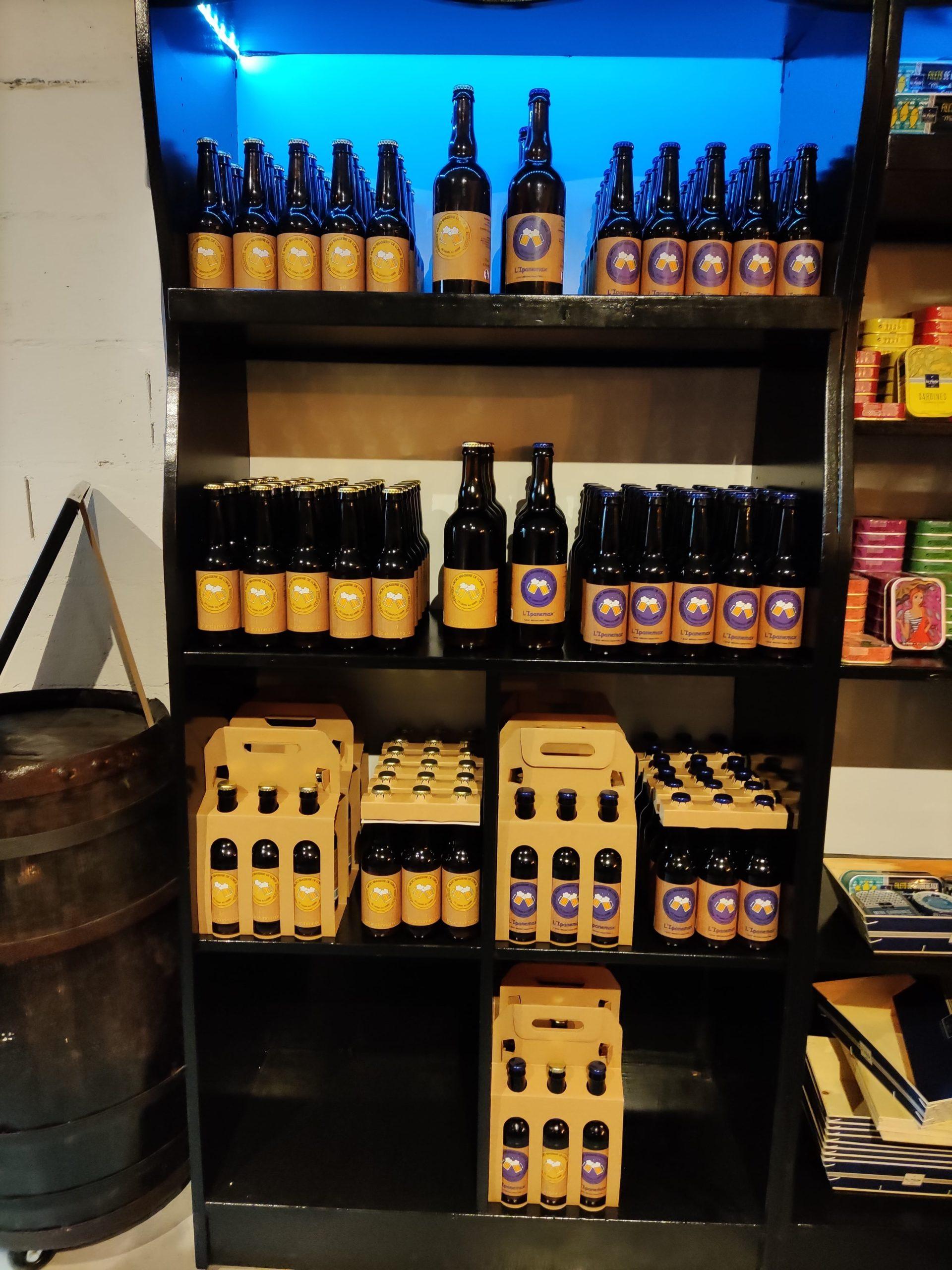 Des étiquettes pour des bouteilles de bière